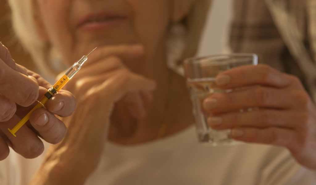 Как вывести из запоя без согласия пациента