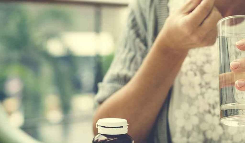 ЛЕЧЕНИЕ АЛКОГОЛИЗМА В ДЕДОВСКЕ: ВЫВОД ИЗ ЗАПОЯ, НАРКОЛОГ НА ДОМ, КОДИРОВАНИЕ